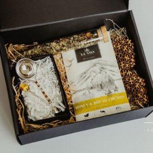 Lietuviškų dovanų rinkinys su padėkliukais ir kavos šaukšteliu 1