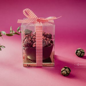 Braškės šokolade krepšelis (dėžutėje)