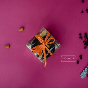 Vaisių asorti šokolade, šokoladiniame krepšelyje (dėžutėje) 1